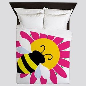 Bumble Bee on Flower Queen Duvet