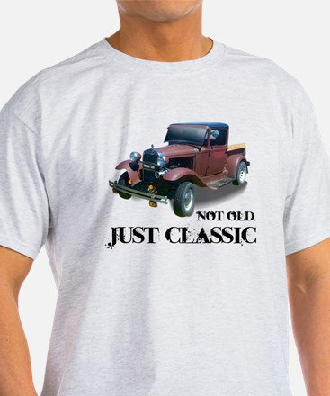 """not old """"just classic"""" T-Shirt"""