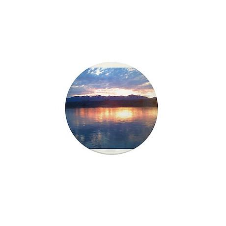 A beautiful view the Davis Da Mini Button (100 pac