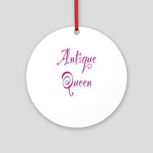 Antique Queen Ornament (Round)
