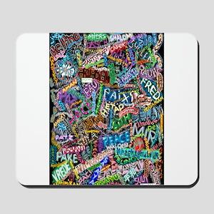 graffiti of the word peace tr Mousepad