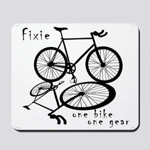 Fixie - one bike one gear Mousepad