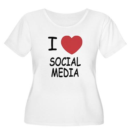 I heart social media Women's Plus Size Scoop Neck