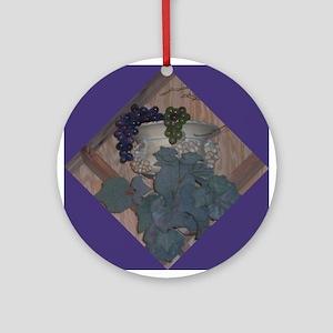 Grapevine Trellis Ornament (Round)