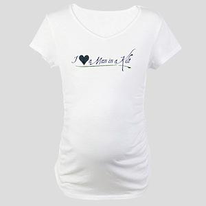 I Love a Man in a Kilt Maternity T-Shirt