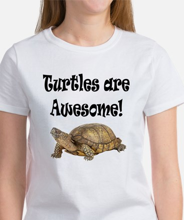 AWESOME TURTLE Women's T-Shirt