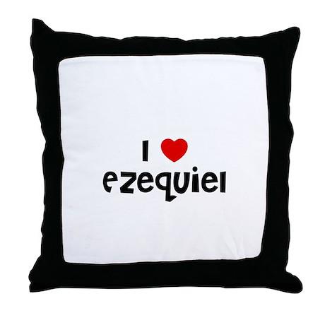 I * Ezequiel Throw Pillow