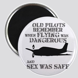 """Old Pilots Style B 2.25"""" Magnet"""