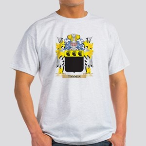 Tanner Family Crest - Coat of Arms T-Shirt