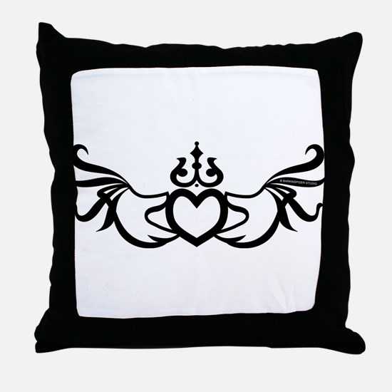 Irish Claddagh Throw Pillow