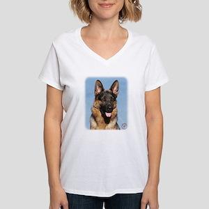 German Shepherd Dog 9Y554D-150 Women's V-Neck T-Sh
