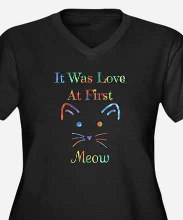 It Was Love At First Meow Plus Size T-Shirt