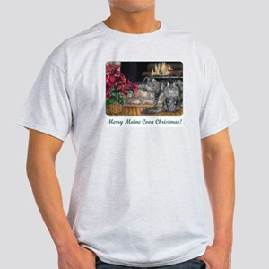 Maine Coon Cat Christmas Light T-Shirt
