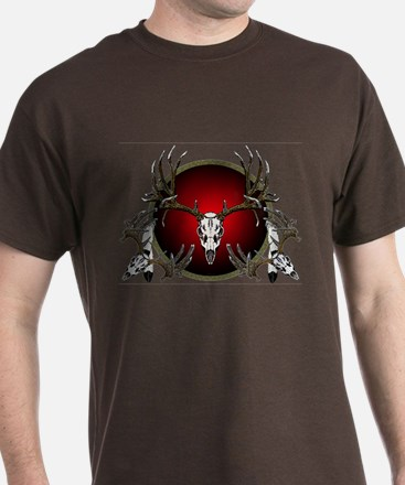 Deer skull with feathers T-Shirt