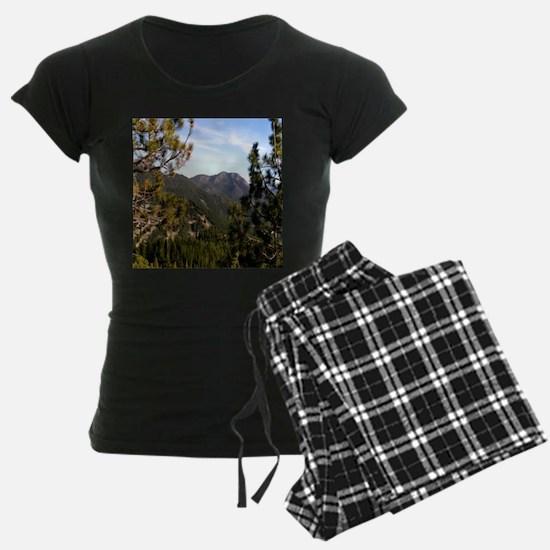 Sierra Mountain Vista Pajamas