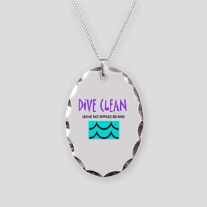 Dive Clean Necklace Oval Charm
