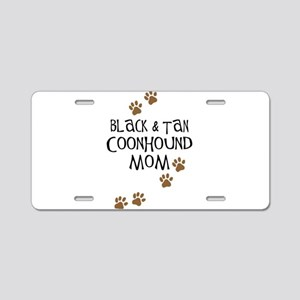 Black & Tan Coonhound Mom Aluminum License Plate
