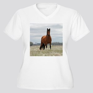 Bay Mare Women's Plus Size V-Neck T-Shirt