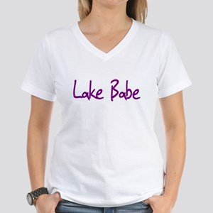 Lake Babe for Girls Who Love Women's V-Neck T-Shir
