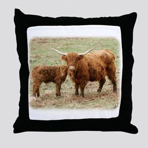 Highland Cow and calf 9Y316D-045 Throw Pillow