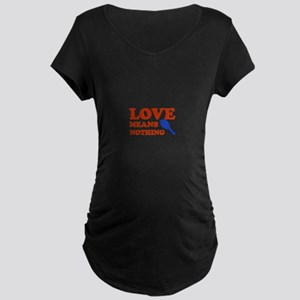 love means nothing (red/blue) Maternity Dark T-Shi