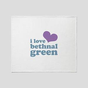 i love bethnal green (purple/ Throw Blanket