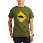 Caution Tank Crossing Organic Men's T-Shirt (dark)