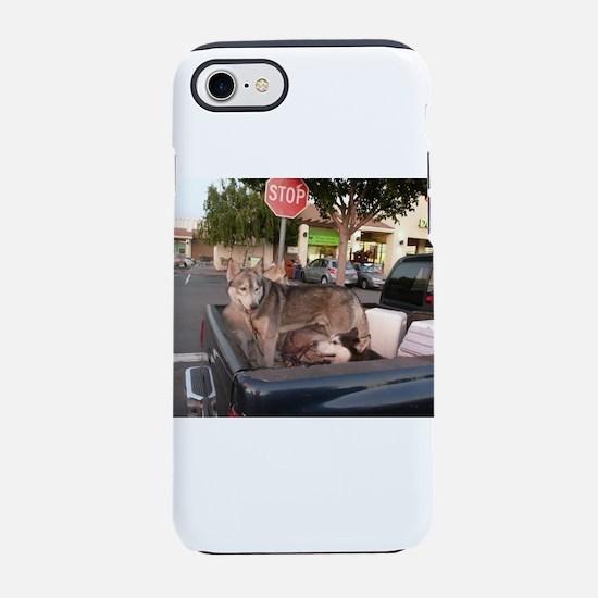 Siberian husky dog looking bac iPhone 7 Tough Case