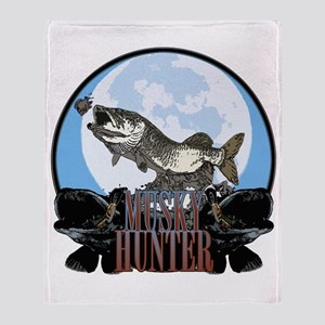 Musky hunter 7 Throw Blanket
