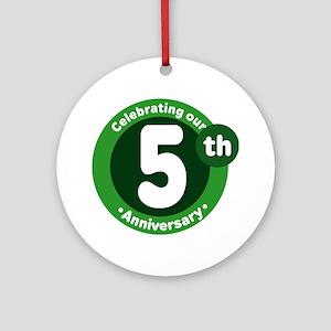 5th Anniversary Green Gift Ornament (Round)
