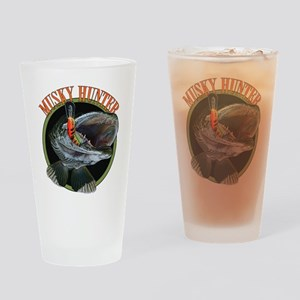 Musky hunter 8 Drinking Glass