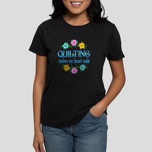 Quilting Smiles Women's Dark T-Shirt