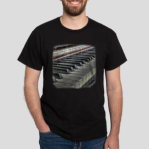Distressed Vintage Piano Dark T-Shirt
