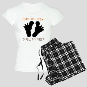 Smell My Feet Halloween Women's Light Pajamas