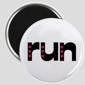 run - pink polka dots Magnet