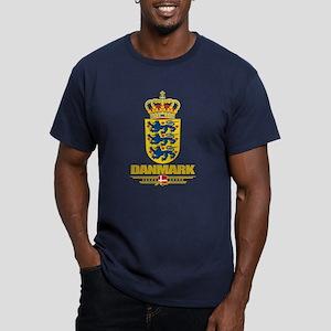 Denmark COA Men's Fitted T-Shirt (dark)