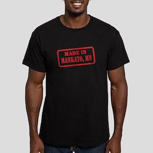 MANKATO, MN Men's Fitted T-Shirt (dark)