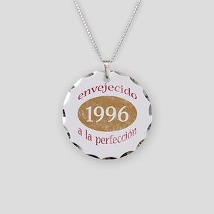 Envejecido A La Perfección (1996) Necklace Circle