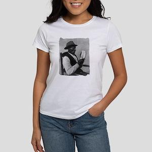 Old Man Reading Women's T-Shirt