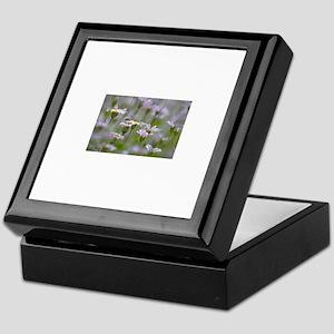 White Flowers999 Keepsake Box