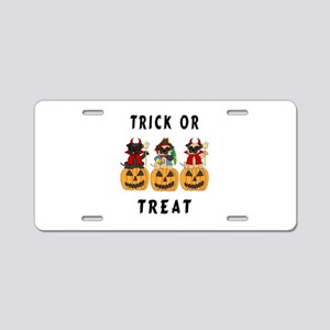 Halloween Trick or Treat Pugs Aluminum License Pla