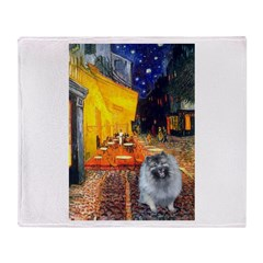 Cafe / Keeshond (F) Throw Blanket