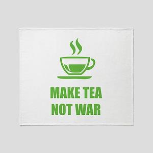Make tea not war Throw Blanket
