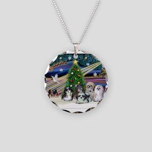 Xmas Magic/5 Shih Tzus Necklace Circle Charm