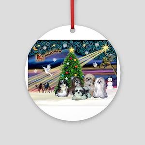 Xmas Magic/5 Shih Tzus Ornament (Round)
