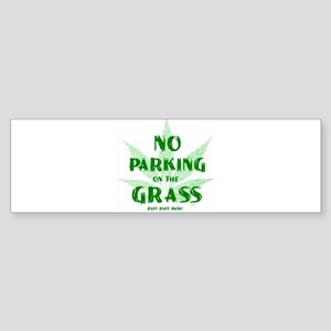 No Parking on Grass Sticker (Bumper)