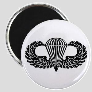 Parachutist -- B-W Magnet