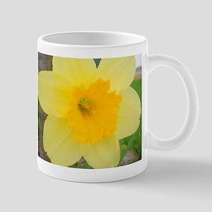 Cheery Yellow Daffodil Mug