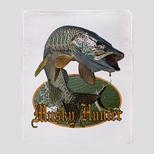 Musky Hunter 9 Throw Blanket