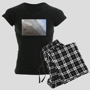 Beachwrite's Heart on Women's Dark Pajamas